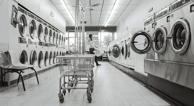Why More People are Using Laundry Service